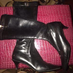 Shoes - Prada original Very nice boots